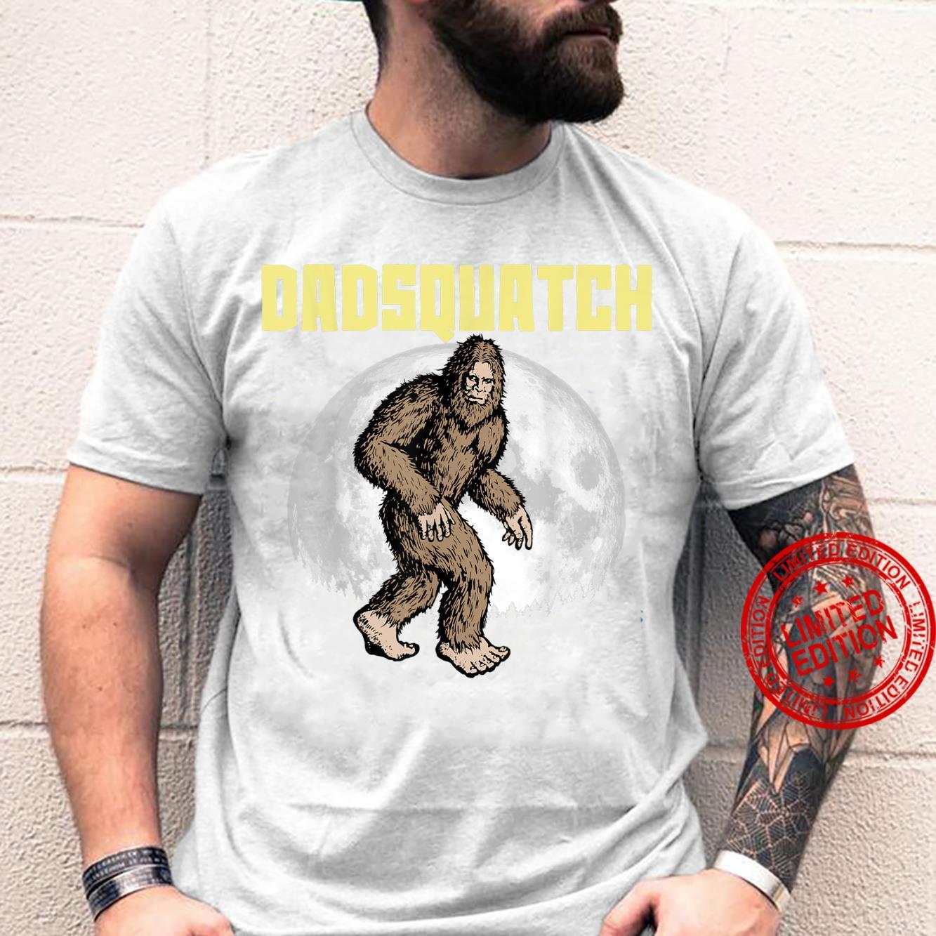 DadSquatch Bigfoot Sasquatch Dad Fathers Day Moon 80s Shirt